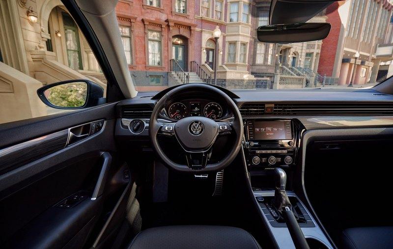 Новый Volkswagen Passat засветился на первых фото - 3