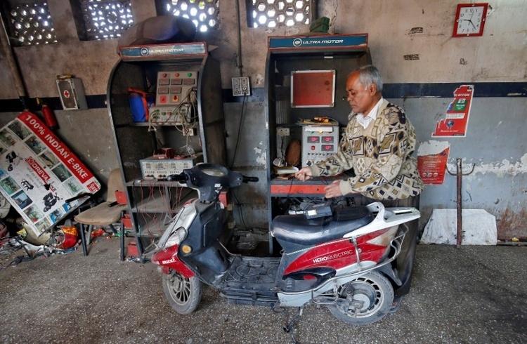 В Индии больше перспектив у двухколёсного электрического транспорта, чем у электромобилей