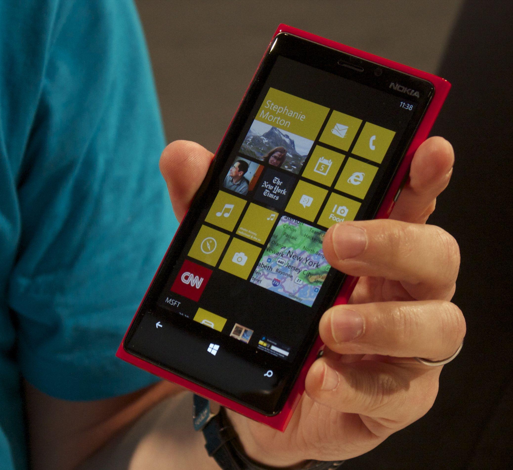 Microsoft прекращает поддержку Windows 10 Mobile - 1