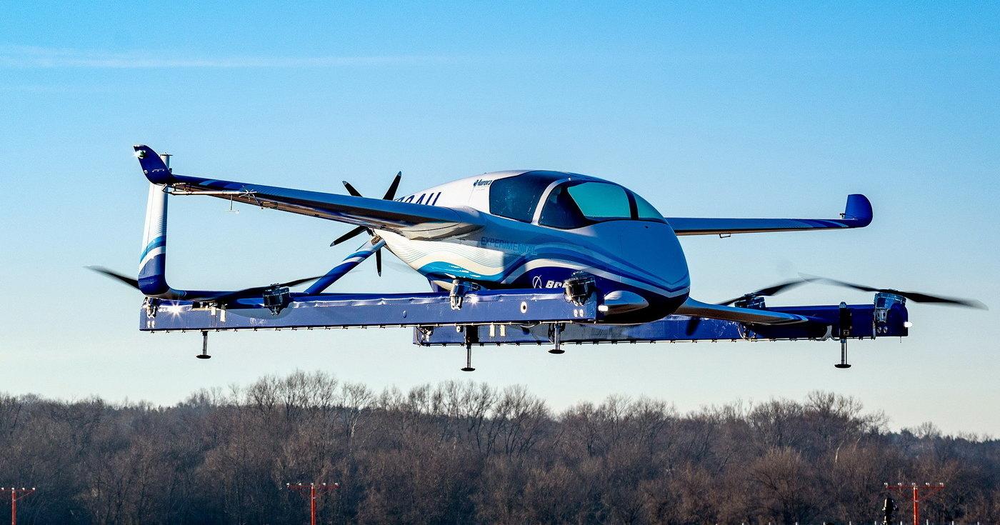 Boeing запустил в воздух такси с манекеном внутри