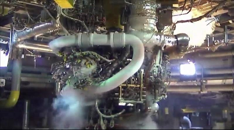 NASA покупает еще два места на «Союзах», испытывает RS-25 и не отказывается от околоземной станции - 3