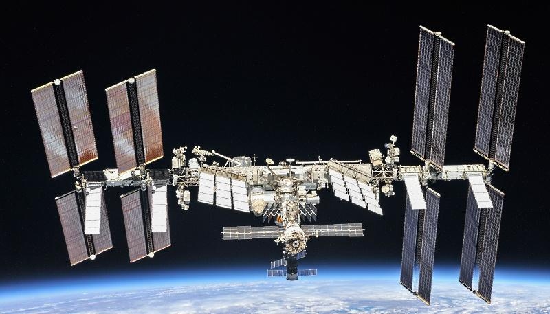 NASA покупает еще два места на «Союзах», испытывает RS-25 и не отказывается от околоземной станции - 6