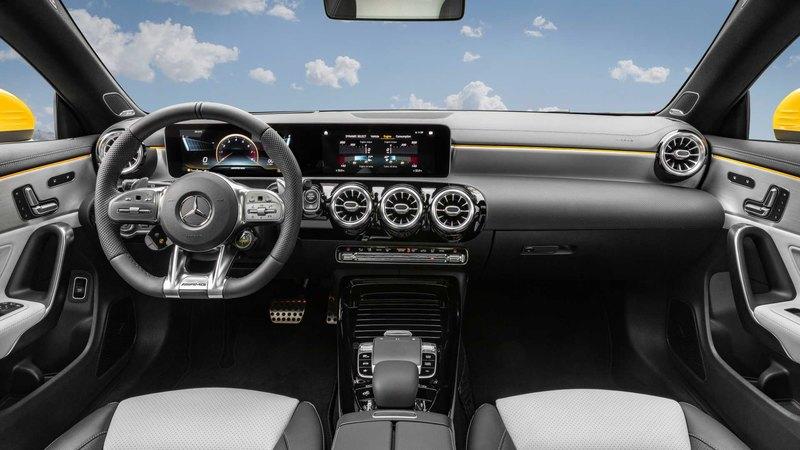 Mercedes-Benz показал «заряженный» универсал