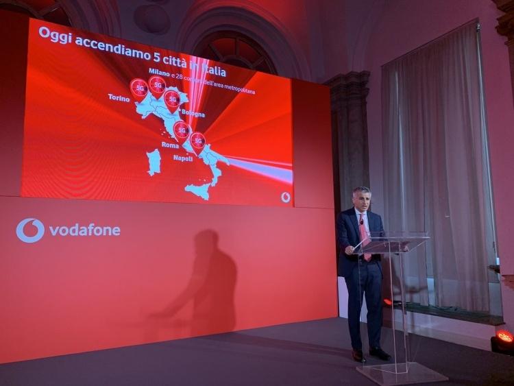 Италия стала третьей в Европе, где запустили 5G
