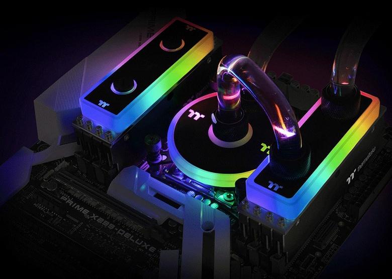 Набор модулей памяти Thermaltake WaterRam RGB DDR4-3600 суммарным объемом 32 ГБ комплектуется водоблоком