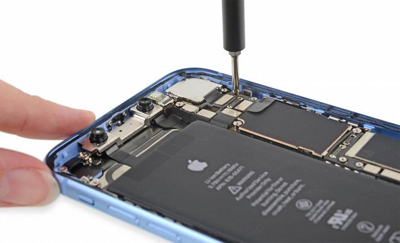 Компания Apple подтвердила блокировку батарей iPhone и объяснила ее причину