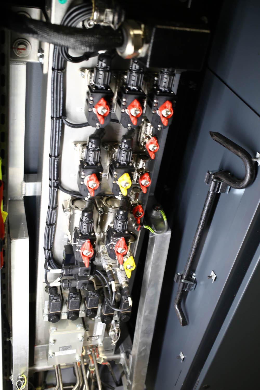 В кабине машиниста поезда - 39