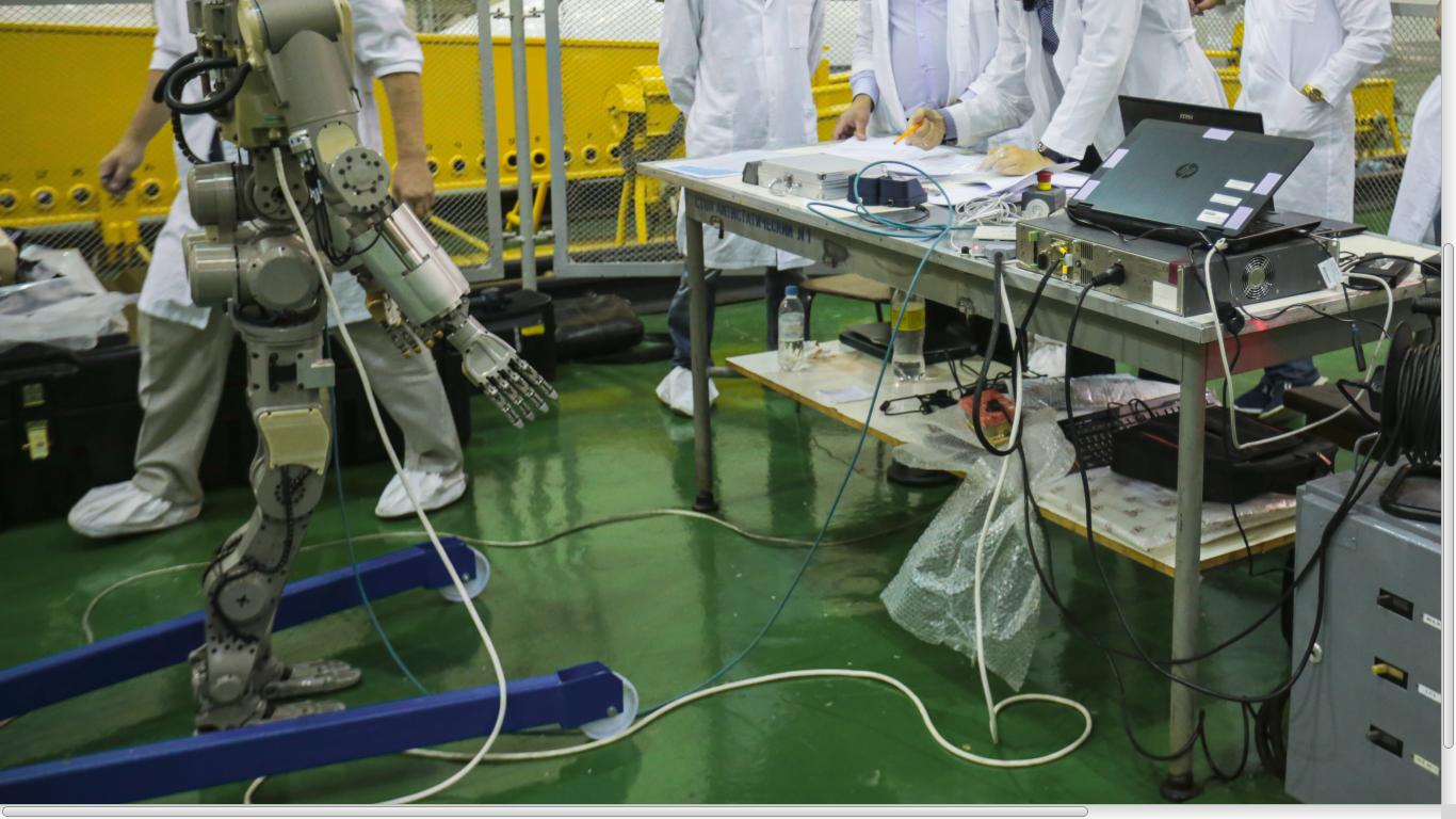 Робот FEDOR — много фото и даже видео с МКС, подготовка космонавта-оператора и первые испытания робота - 14