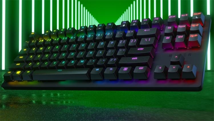 Компактная клавиатура Razer Huntsman Tournament Edition рассчитана на киберспортсменов
