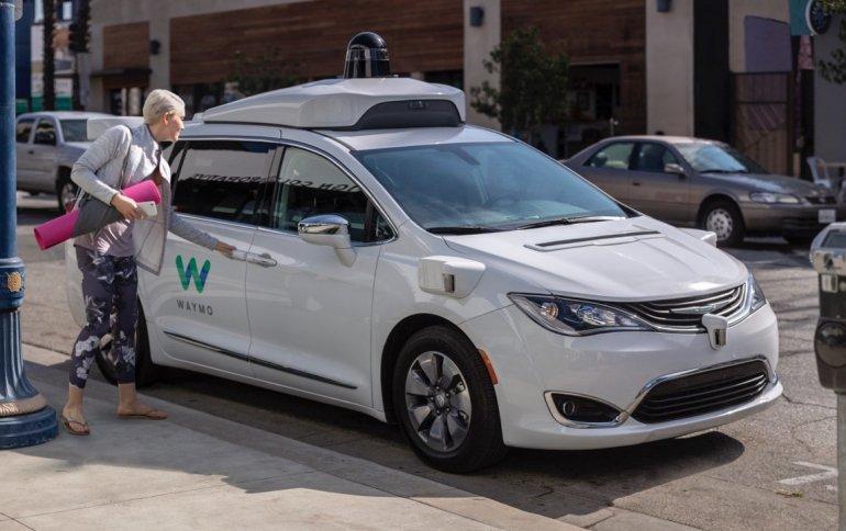Из-за коронавируса приостанавливается тестирование самоуправляемых автомобилей - 1