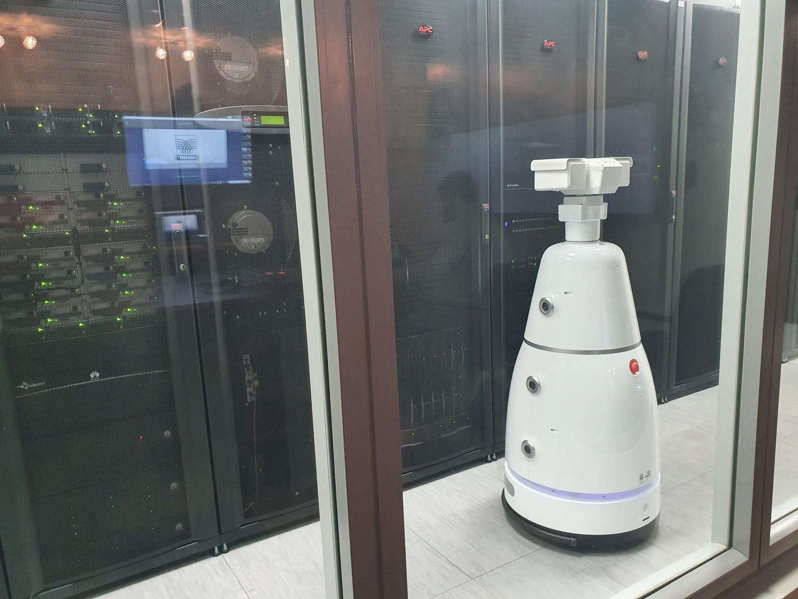 Будущее наступает: китайские роботы приехали в Россию - 17