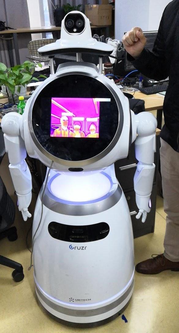 Будущее наступает: китайские роботы приехали в Россию - 23