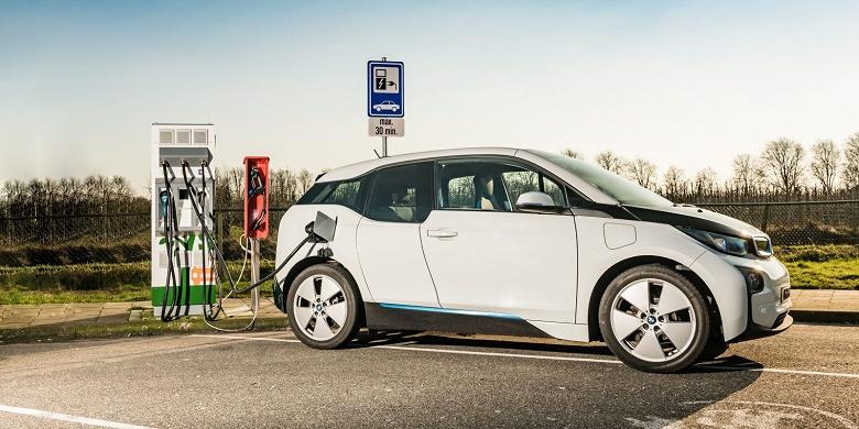 Германия хочет сделать обязательным наличие зарядной станции на каждой АЗС