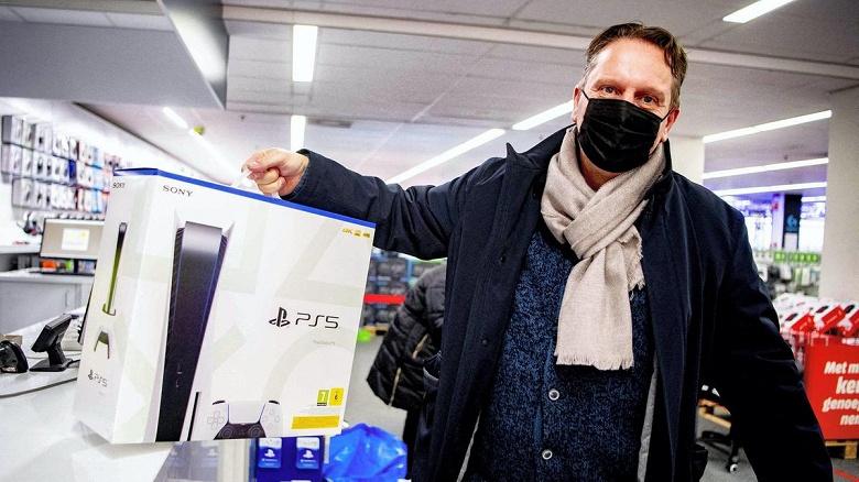Геймеры в ярости: на фоне тотального дефицита и подорожания PlayStation 5 в России Sony вообще начала отменять предзаказы