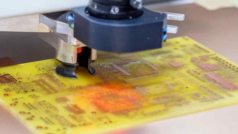 Отрасль попала в заколдованный круг: нарастить выпуск оборудования для производства микросхем мешает нехватка микросхем