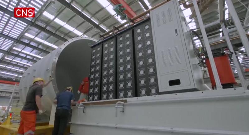 Первый в мире плавучий дата-центр наконец заработал - 5