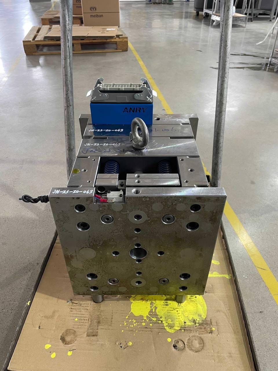 Как выглядит производство корпусов Flipper Zero изнутри - 9