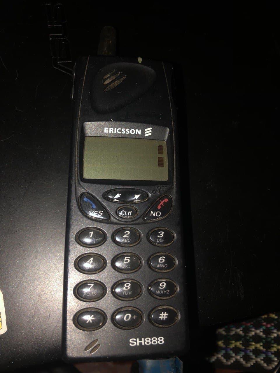 Привет из 1998 года: мобильный телефон Ericsson SH888 - 6