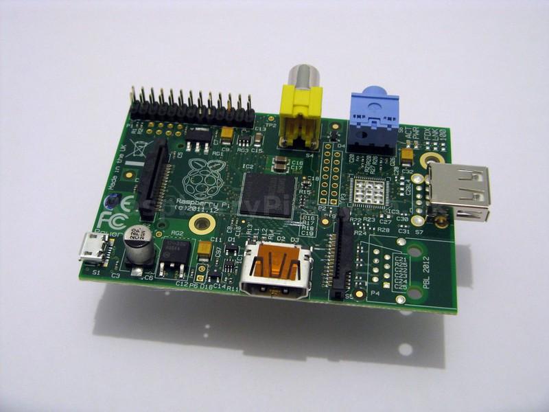 25 долларовый Raspberry Pi поступил в продажу в США