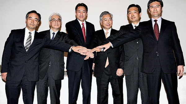 Canon и Nikon открыли квартал с совместного заявления о стратегическом сотрудничестве
