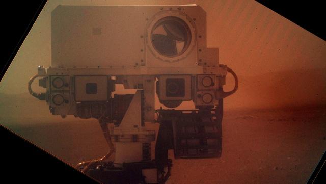 Curiosity переведен в автономный режим движения