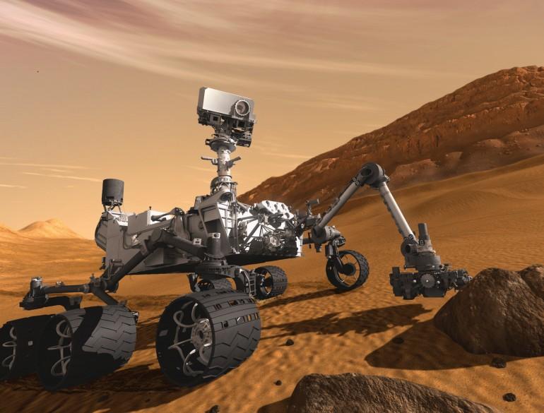 Curiosity разведывает путь через песчаные дюны