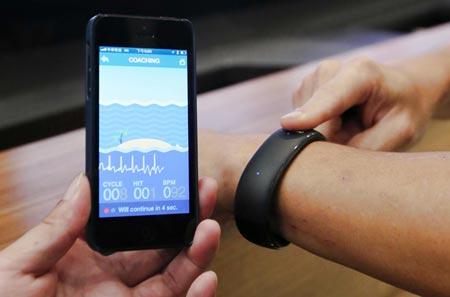 Умные часы Foxconn поддерживают взаимодействие с iPhone