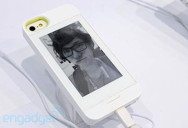 Чехол InkCase для Galaxy Note II имеет экран размером 4,3 дюйма и разрешением 600 х 800 пикселей