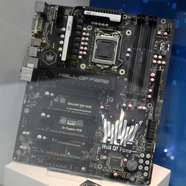 На плате Galaxy Z87 Hall of Fame установлено два моста PCI-Express PEX8747