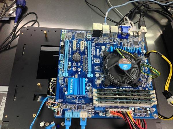 В состав тестовой системы вошла системная плата Gigabyte GA-Z77MX-D3H TH