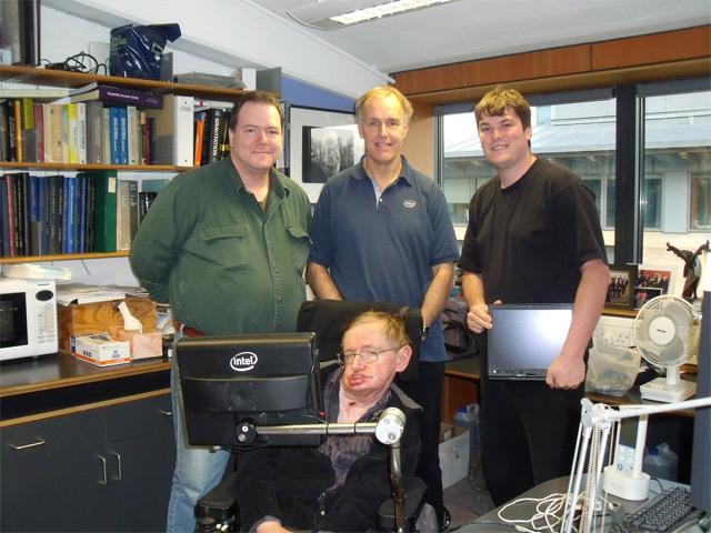 Intel поможет Стивену Хокингу говорить быстрее