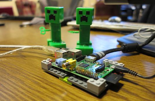 Minecraft официально портирован на Raspberry Pi