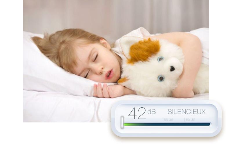 Ребенок и измерение уровня шума