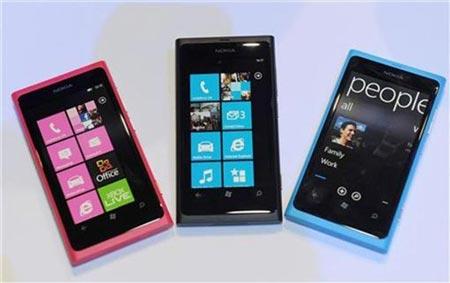 Nokia снижает цены на смартфоны с Windows Phone
