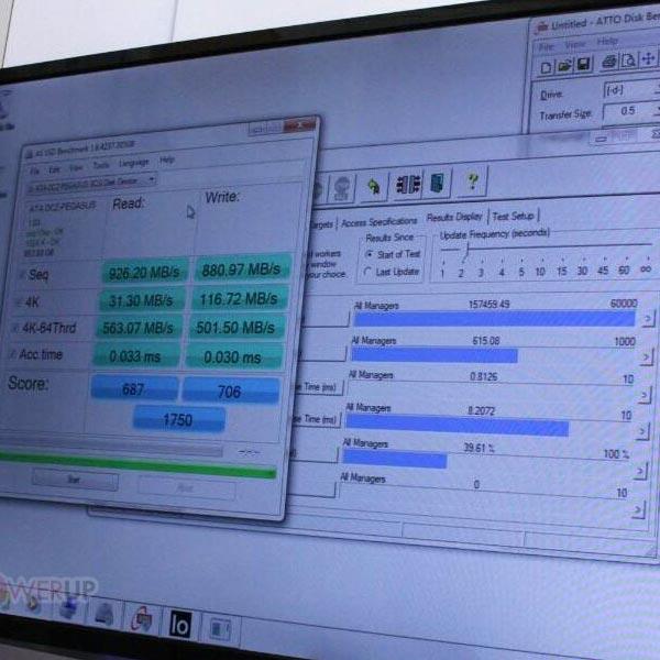OCZ показала на CES 2013 твердотельный накопитель Vector в виде карты расширения PCI Express