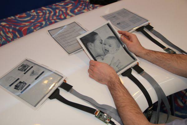 PaperTab: прототип планшета с гибким 10,7 дюймовым дисплеем ePaprer