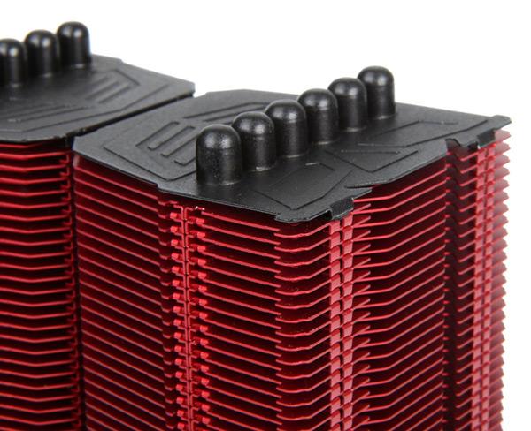 Prolimatech выпускает синий и красный варианты процессорного охладителя Megahalems Rev. B