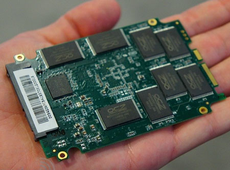 SSD OCZ Vector на новом контроллере Indilinx замечен на IDF 2012
