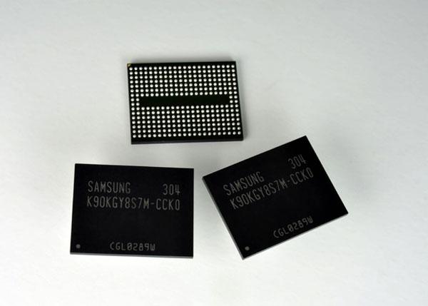 Чипы памяти MLC NAND плотностью 128 Гбит, выпускаемые Samsung по технологии 10-нанометрового класса, поддерживают скорость 400 Мбит/с