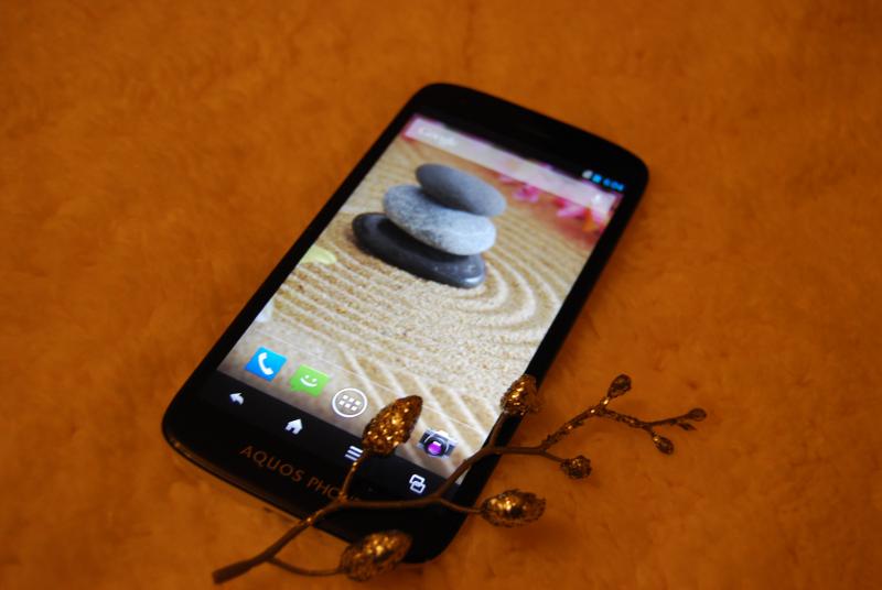 Sharp Aquos Phone SH930W — флагманский смартфон из Японии