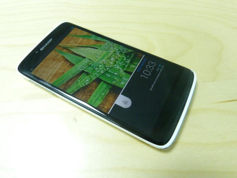 Sharp SH837W — средний смартфон в японской линейке