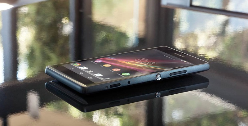 Sony Xperia SP появится в продаже в конце месяца по цене 17990