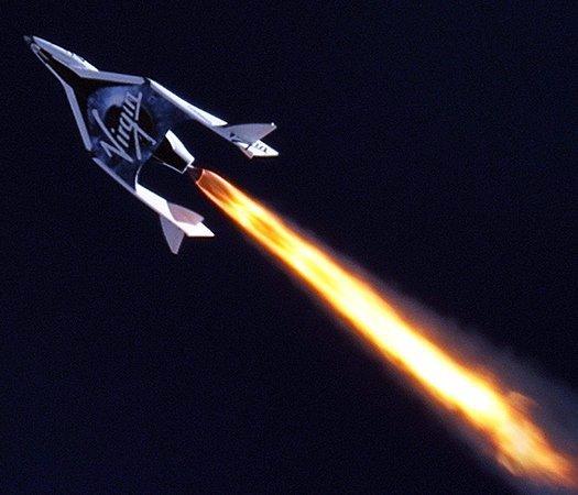 SpaceShipTwo совершил первый активный полет