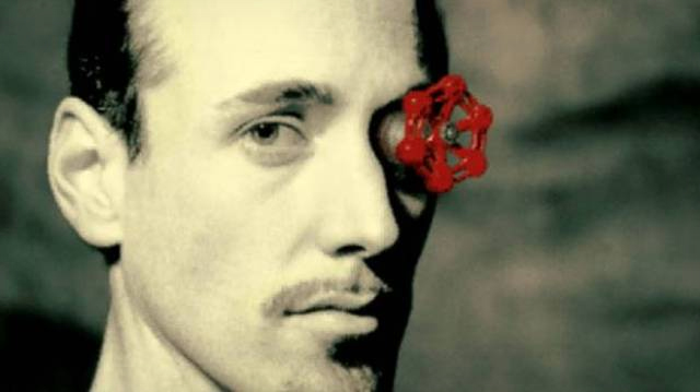 Valve берется за железо