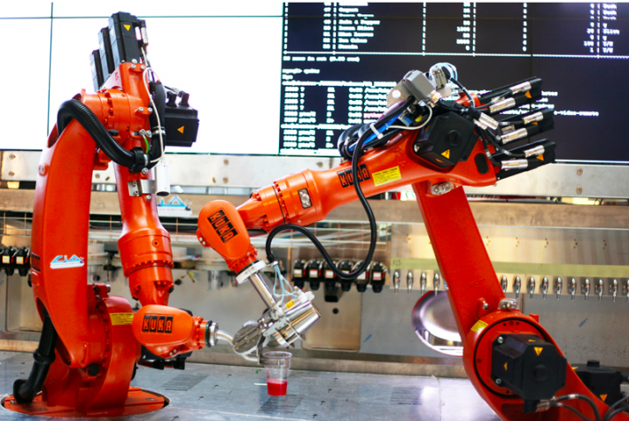 Афтепати Google I/O обслуживает робот бармен (немного фото+видео)