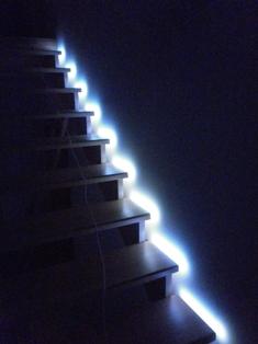 Автоматическая подсветка лестницы своими руками