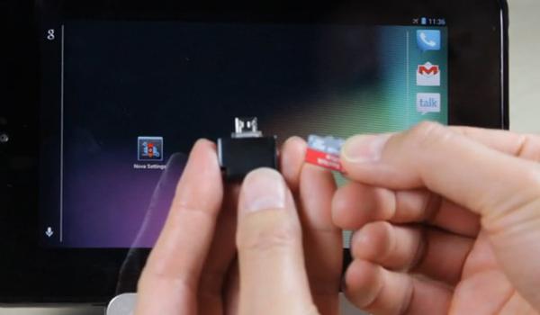 Миниатюрный картридер с разъемом micro-USB предназначен для мобильных устройств с ОС Android