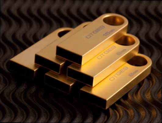 Флэшки Kingston Data Traveller GE9 покрыты чистым золотом, но не блещут высокой скоростью