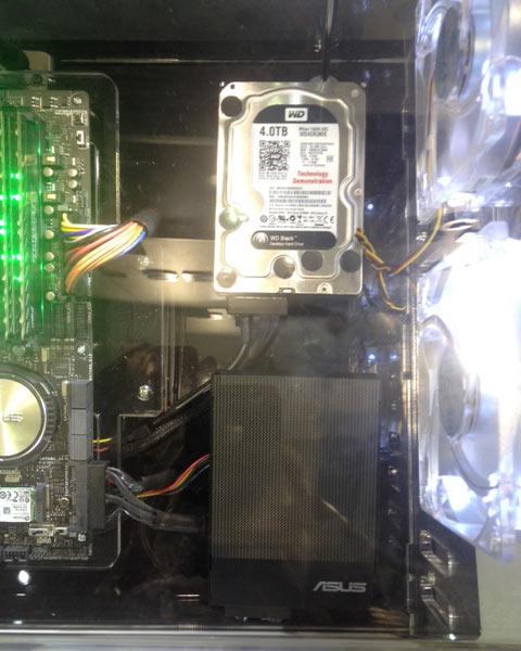 Прототип жесткого диска WD с интерфейсом SATA Express совместим со стандартными драйверами AHCI