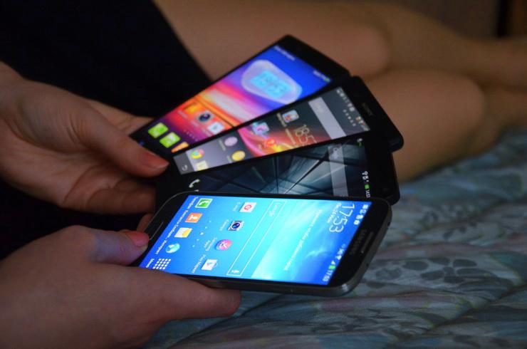 Как бы вы хотели сравнить флагманские смартфоны?